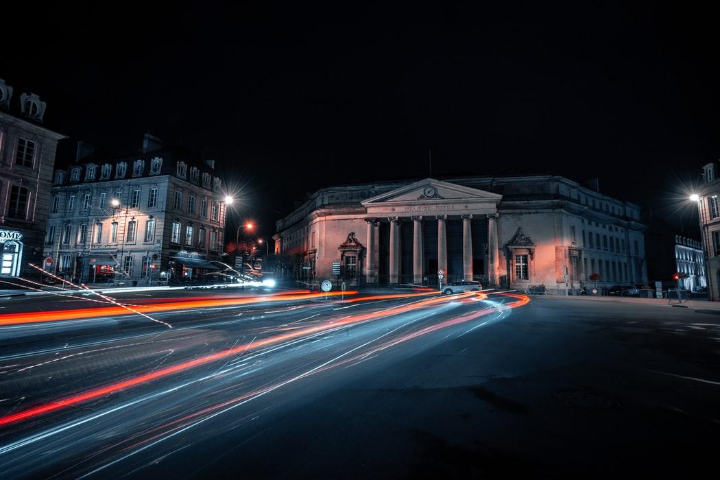 centre ville de Caen nuit