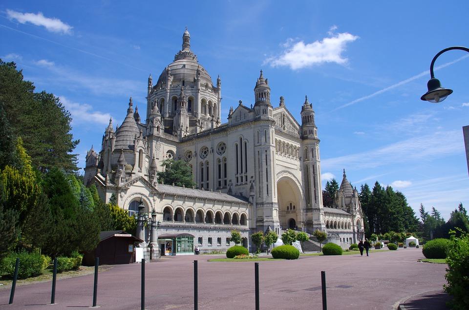 basilique Lisieux pays d'auge